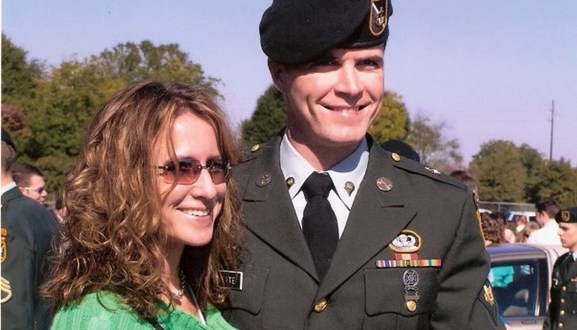 "Green Beret Wife Honored With ""Patriot"" Award – Forms ""Steel Mag"" Group 