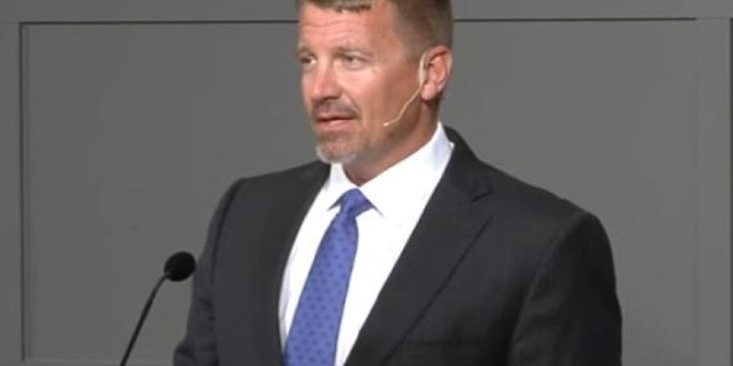Why Is Erik Prince Backing a Secure Communications Company? | Foreign Policy