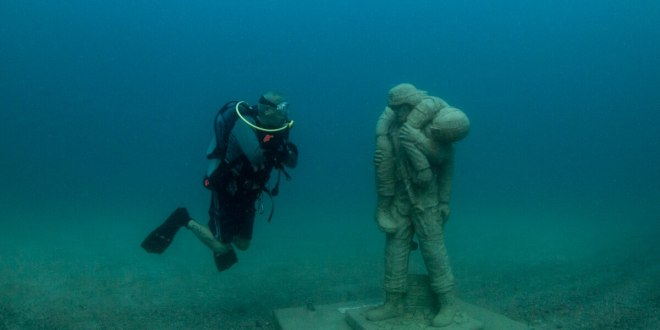 The first underwater veterans memorial is open for divers | Military Times