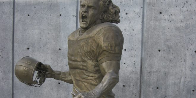 On this day: Died April 22, 2004; Pat Tillman, American football player | Reuters