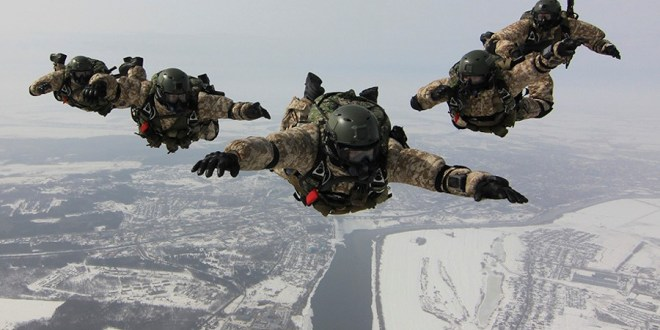 Russian commandos jump from 33,000 feet over The Arctic in unprecedented exercise | The Drive