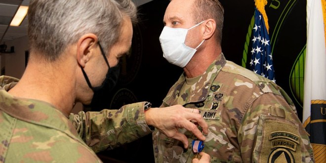 Green Beret earns Soldier's Medal for aiding retired Army Ranger | Stars & Stripes