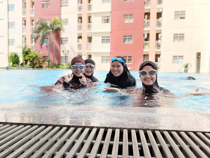 Muslimah Swimming Squad Surabaya
