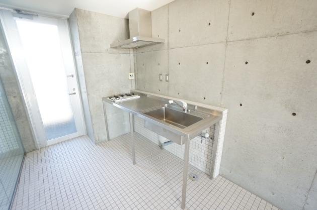 リフュージュアイサウス702号室キッチン|SOHO東京