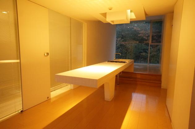 目黒リゾート302斜めからキッチン|SOHO東京