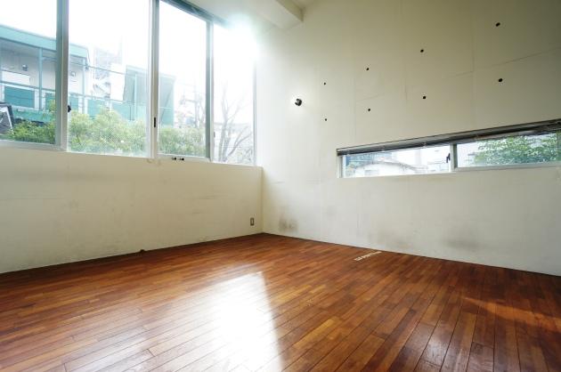 a place105号室2F日当り良好 SOHO東京