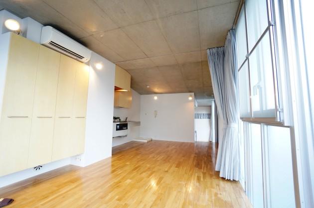 S.N HOUSE109号室LDKキッチン方面|SOHO東京