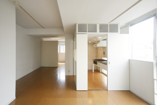 【募集終了】南青山、移動式家具とユニバーサルデザインのSOHO。