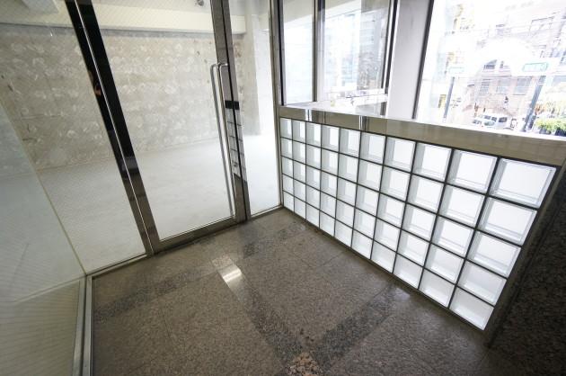 nichihata-2F-entrance