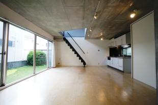 【募集終了】荻窪、庭付き戸建感覚のデザイナーズSOHO。