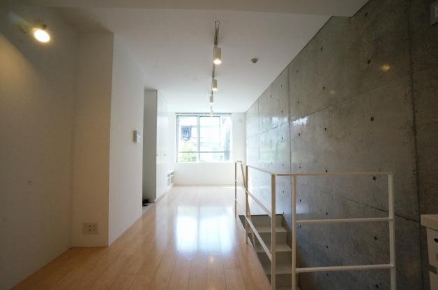 moderiabrut_omotesando-102-room-02-sohotokyo