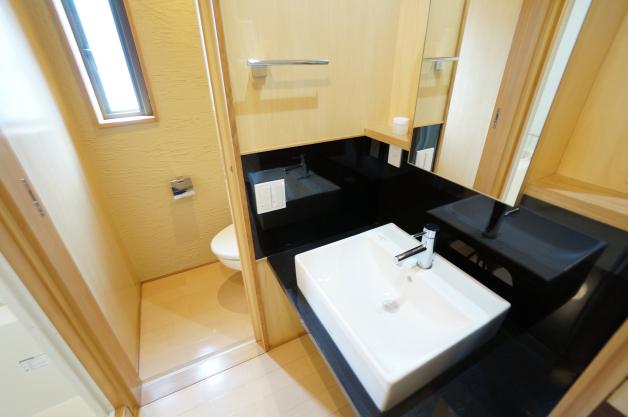 baru_shoto-201-bathroom-01-sohotokyo
