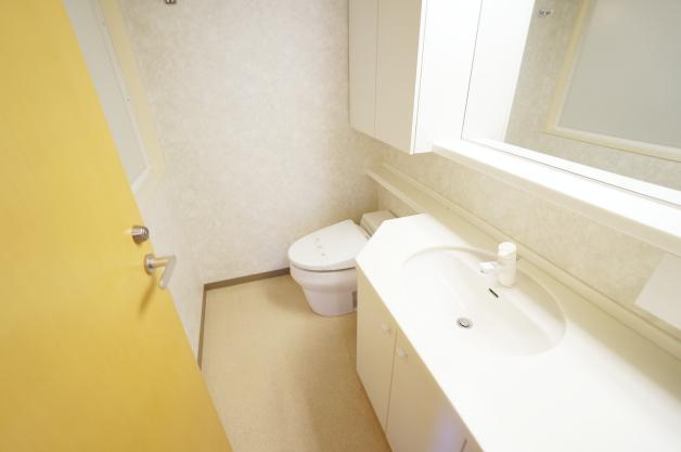 grandmezon-jingumae-toilet