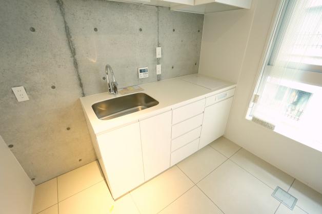 court_modelia_roppongi-404-kitchen-01-sohotokyo