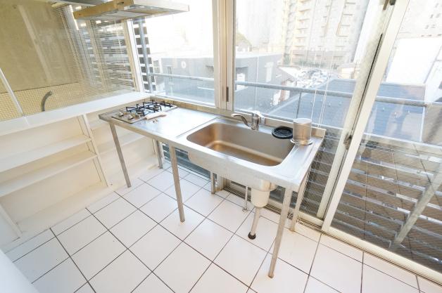 nikenya_apertment-402-kitchen-01-sohotokyo