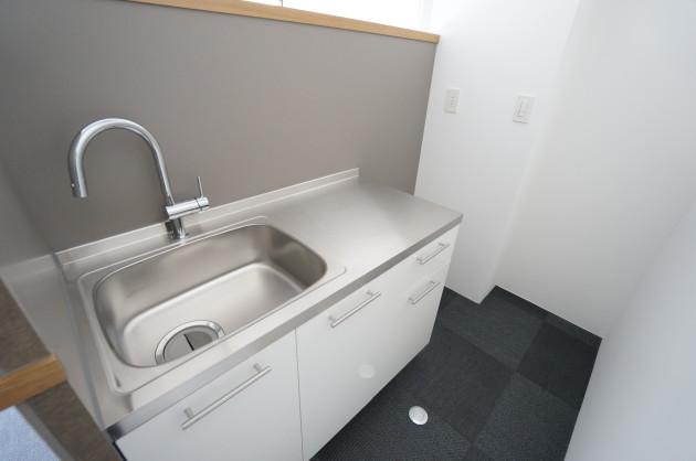 flat_aoyama-308-kitchen-02-sohotokyo