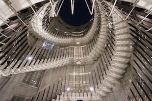 【募集終了】神宮前、美しい螺旋階段に見惚れながら