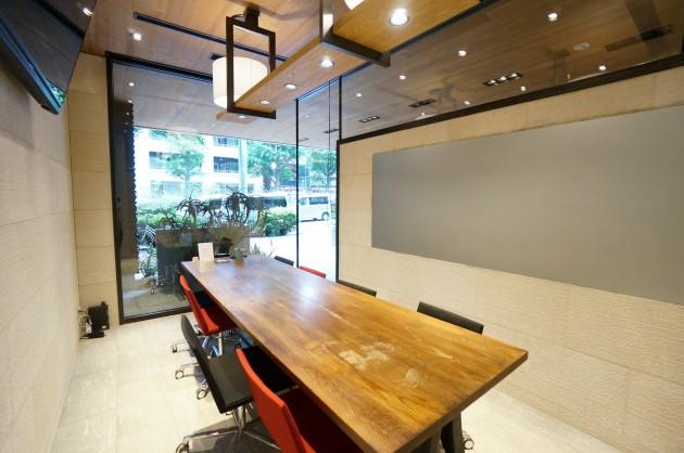 atelier-yours-ogawamachi-meetingroom03