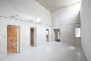【募集終了】目黒。天井高4.9mの直方体空間。