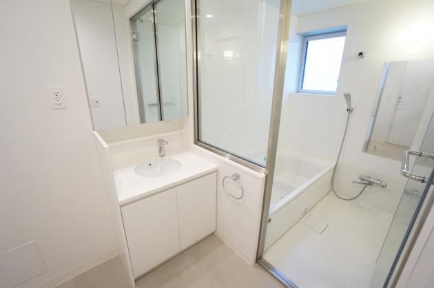 knot-hanabusayama-k204-bathroom-01-sohotokyo