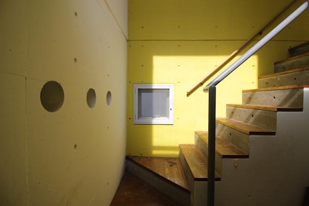 miura_bldg-stairs-03-sohotokyo