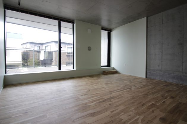 【募集終了】大きな窓とルーフバルコニー。白金台新築。
