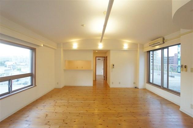 firstaprtments-501-livingroom-06-sohotokyo