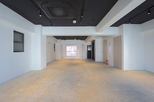 港区芝。モルタル仕様ミニマルデザインオフィス。