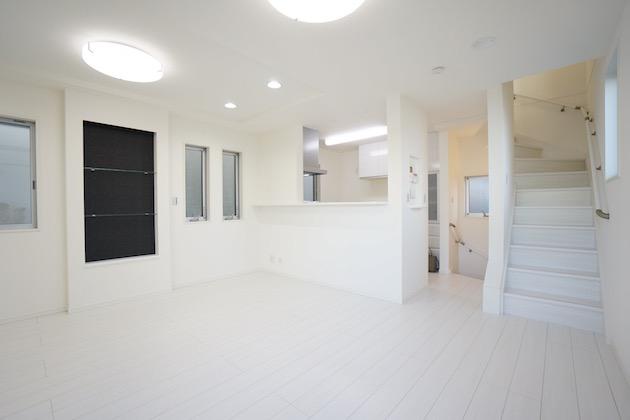 【募集終了】渋谷区本町。白を基調とした新築戸建SOHO。