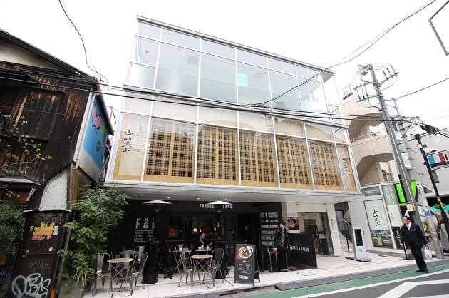 表参道、まい泉通り沿いで開放感溢れる店舗・オフィス