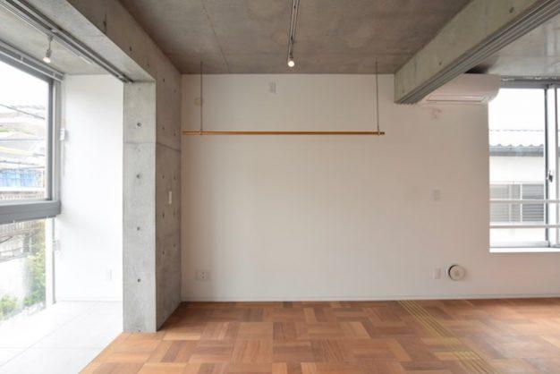 東新宿9分、素材と空間を愉しむコンパクトSOHO