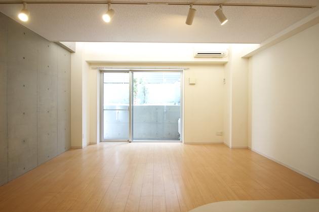 【募集終了】原宿・表参道。シャープな外観、心地良い室内。