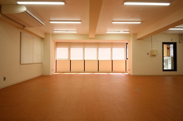 【募集終了】赤坂、リーズナブルなリノベオフィスで働く。
