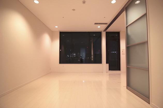 【募集終了】渋谷駅4分、ネオン輝くビル群を望む高層ラグジュアリーSOHO