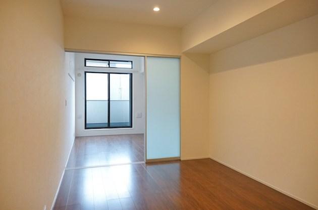 白金台。柔軟性に富む築浅SOHO。
