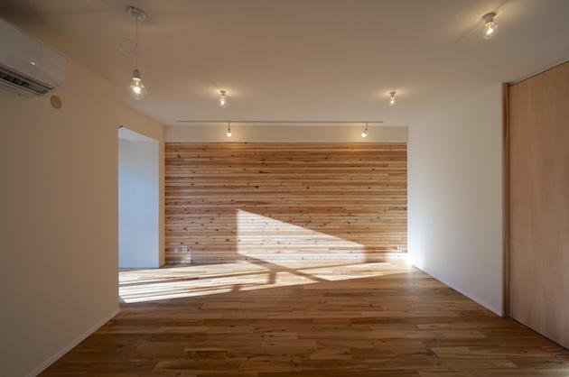 【募集終了】乃木坂徒歩5分。無垢床による気持ちの良いコンパクトリノベ。