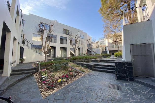 【募集終了】富ヶ谷。緑豊かな中庭をもつデザイン空間