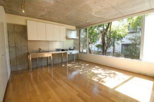 羽根木。住宅地で異彩を放つ大型デザイナーズ。<p>[世田谷区/47万/130㎡]