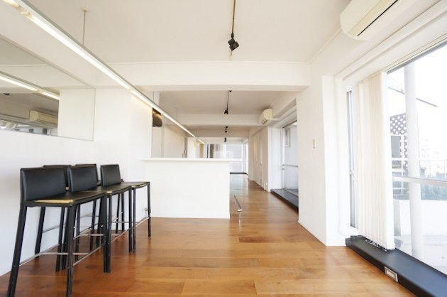 villa bianca、ショールーム内装のフルリノベオフィス<p>[渋谷区/37万/80㎡]