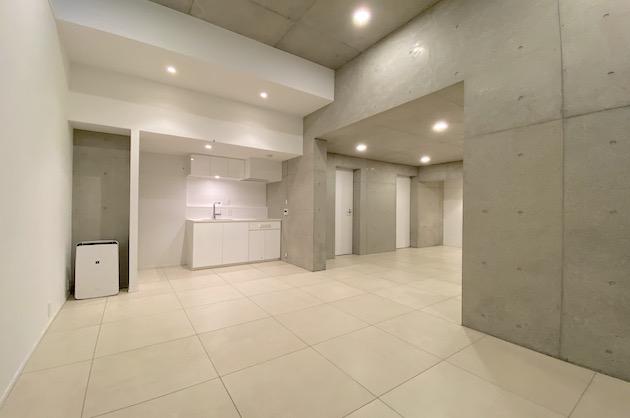 【募集終了】表参道。最大天高3mのデザイナーズ地下空間<p>[渋谷区/28万/54㎡]