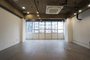 渋谷3丁目。明治通り沿い無骨でクリーンなリノベオフィス<p>[渋谷区/42万/66㎡]