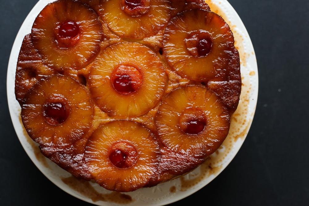 Izvrnuta torta sa ananasom (Upside-Down Pineapple Cake)