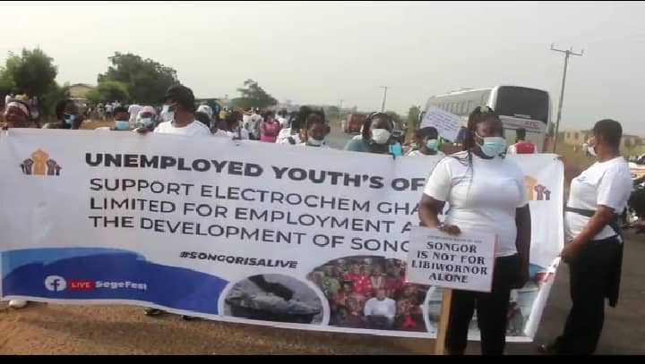 ADA CHIEFS AND UNEMPLOYMENT YOUTH DEFILES PRESIDENT ORDER TO DEMONSTRATE FOR JOBS