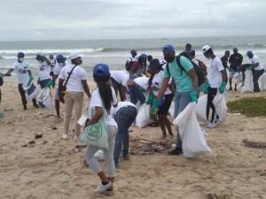 EUROPEAN UNION, PLASTIC PUNCH CLEAN LABOMA BEACH IN ACCRA