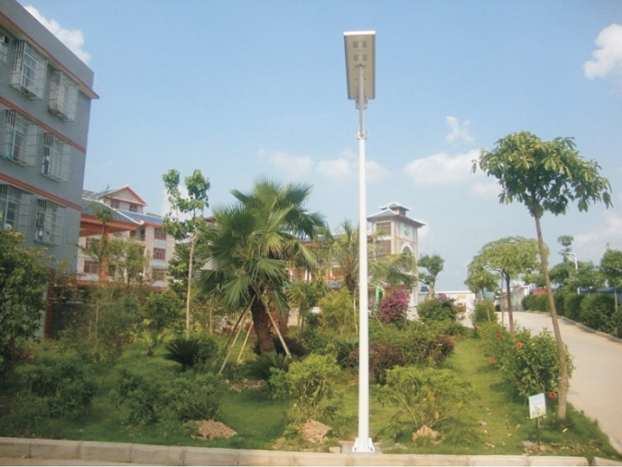 Gallery 03 - All in one solar street light