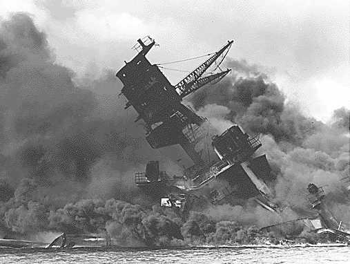 https://i2.wp.com/www.solarnavigator.net/history/explorers_history/Pearl_Harbor_USS_Arizona_ablaze.jpg
