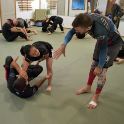 Rob Biernacki teaching students at Solarte Brazilian Jiu Jitsu in Sequim