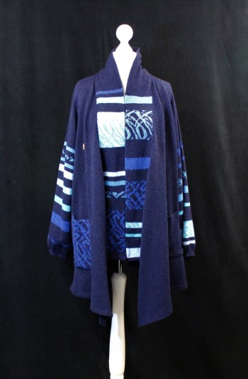 Solasonach Lunan lambswool Cardigan in Navy and Blue Size LARGE