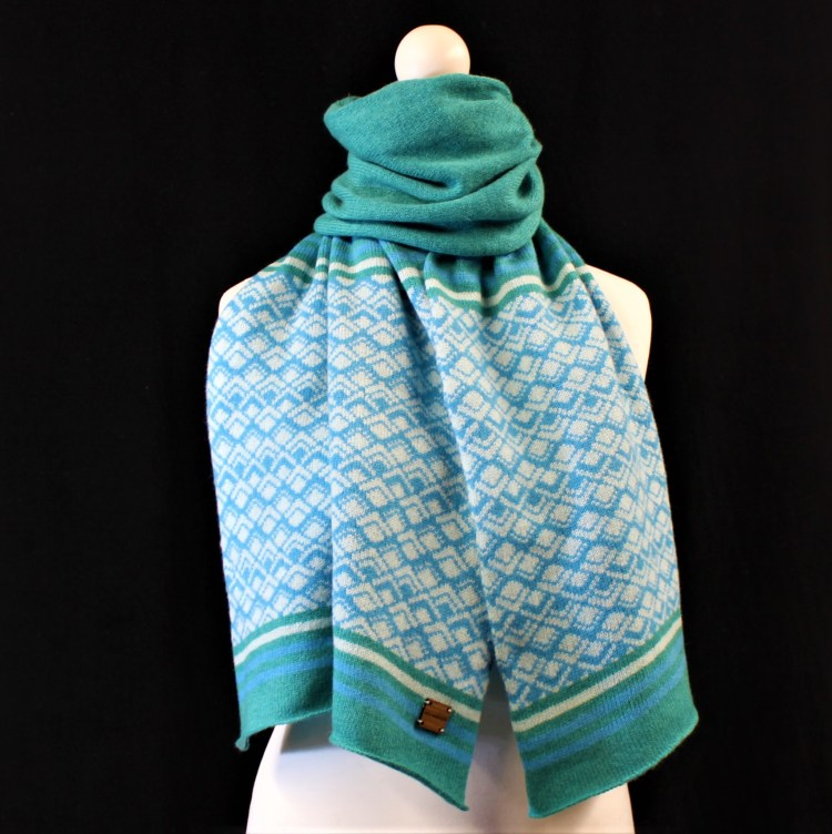 Solasonach Marrakech Lambswool scarf in Green and blue