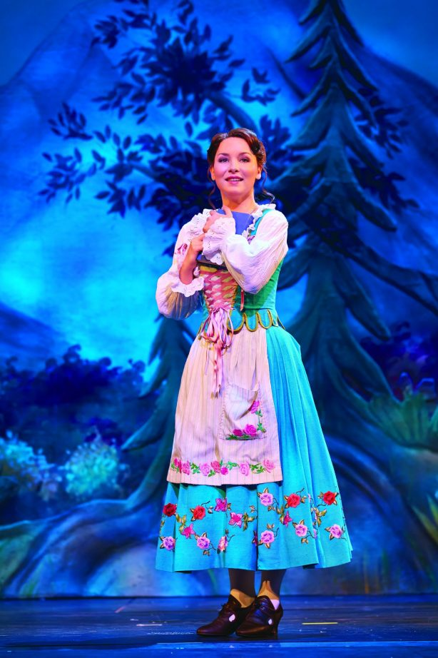Belle. Photo Brinkhoff & Mîgenburg ∏Disney